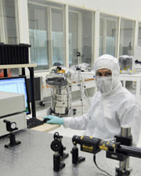 Scientific-laser-clean-room300