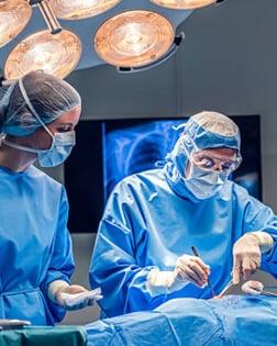 surgery-nurse-doctor-300